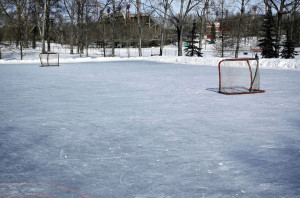 winter-ice-hockey-pond